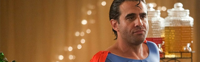 Background Bobby Cannavale