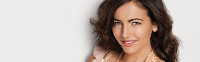Background Camilla Belle