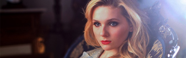 Background Abigail Breslin
