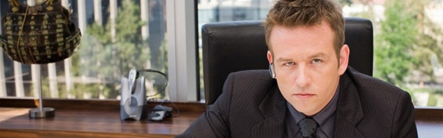 Background Dallas Roberts