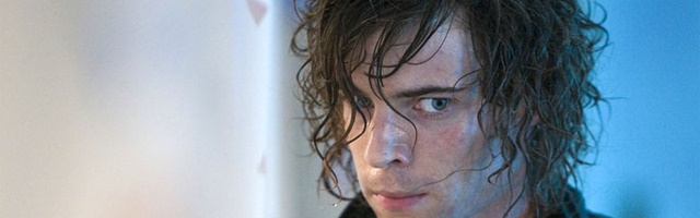 Background Harry Treadaway