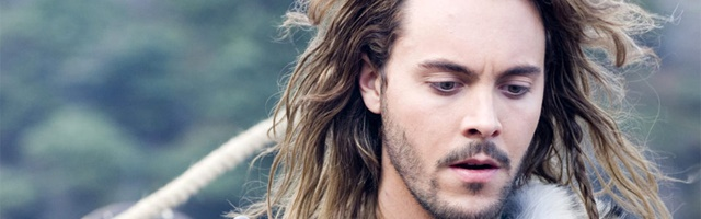 Background Jack Huston