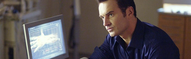 Background Julian McMahon