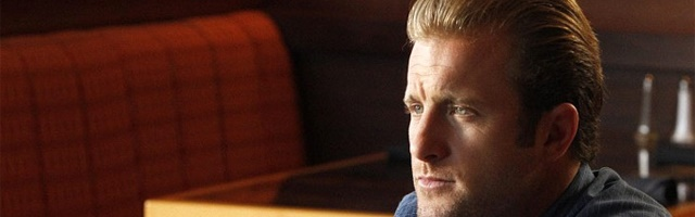 Background Scott Caan
