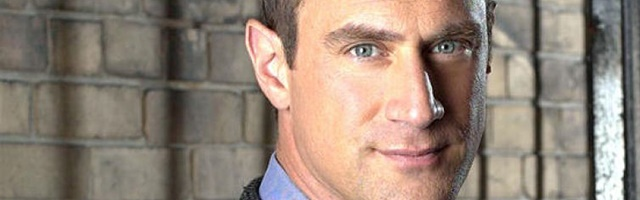 Background Christopher Meloni